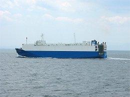 伊勢湾フェリー・伊勢湾を航行する乗用車輸送船