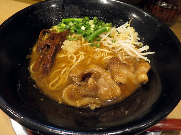 徳島ラーメン東大十三店